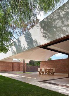 IV House in Matola Spain by Mesura Arquitectos - 2015