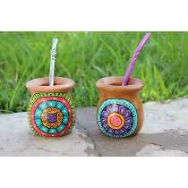 Mates De Madera Pintados A Mano Decor Crafts, Diy Crafts, Crazy Home, Pottery Painting, Painted Pottery, Posca, Painted Pots, Mexican Art, Do It Yourself Home