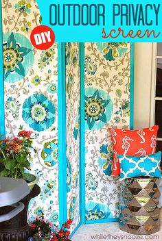 DIY Outdoor Privacy Screen #turquoise #outdoor #decor via @whiletheysnooze