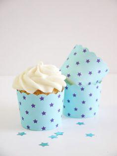 Caissettes cupcakes en papier renforcé à motifs étoile #cupcakes #caissettes #pois #cirque #anniversaire #sweettables