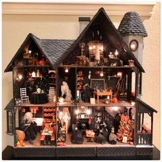 halloween witch Oh my gosh! I hav - halloween Diy Halloween, Halloween Diorama, Halloween Vintage, Halloween Village Display, Halloween Haunted Houses, Holidays Halloween, Halloween Themes, Halloween Shadow Box, Vintage Christmas Photos