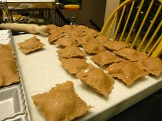 Whole Wheat Ravioli from Scratch. Make your own pasta dough first then fill with whatever you would like! Healthy Pasta Dishes, Healthy Pastas, Healthy Cooking, Basic Cooking, Real Food Recipes, Yummy Food, Vegan Recipes, Vegan Ravioli, Make Your Own Pasta