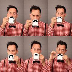 Fancy - MOUSTACHE Mugs : PETER IBRUEGGER Descubre qué bigote te sienta mejor con esta taza.