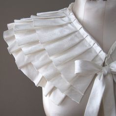 Romantic, elegant white collars always catch my eye..