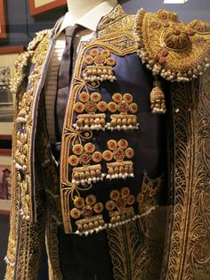 Things to do in Valencia, Tour the Bullfighting Ring & Museum Bead Embroidery Patterns, Hand Work Embroidery, Beaded Embroidery, Matador Costume, Cosplay Tutorial, Dress Indian Style, Passementerie, Fantasy Costumes, Gold Work