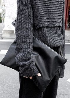 shades of gray w/ black envelope clutch. #streetstyle | stylissima.co.il