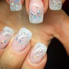Love this natural nail with the sparkle tip
