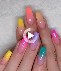 27 avril 2019 - La mannequin britannique Naomi Campbell abandonne sa collection de vernis à ongles Colorful Nail Designs, Simple Nail Designs, Nail Art Designs, Nails Design, Colorful Nails, Cute Nails, Pretty Nails, My Nails, Glitter Nails