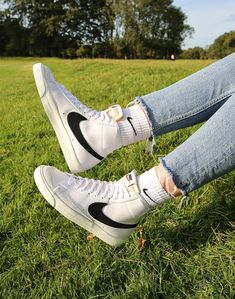 Sneaker Outfits, Converse Sneaker, Puma Sneaker, Sneakers Mode, Sneakers Fashion, High Top Sneakers, Souliers Nike, Swag Shoes, Accesorios Casual