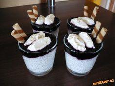 Chia pohárek s borůvkami