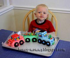 Honey Mommy: Easy Train Cake