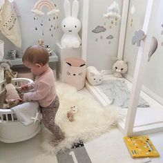 Small and Creative Playroom Idea for a Baby