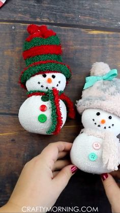Easy sock snowman craft fun christmas craft for kids to make! fun christmas art project that you can make in the classroom daycare etc homemade diy project to put up for holiday decor! fuzzy sock snowmen directions step by steps no sew sock gnome Christmas Art Projects, Christmas Ornament Crafts, Xmas Crafts, Christmas Fun, Christmas Presents, Kids Holiday Crafts, Thanksgiving Crafts, Chritmas Diy, Christmas Crafts For Kids To Make At School