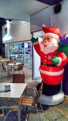 Ho ho hoo!! Papa Noel está en PadthaiWok para daros la bienvenida!! #padthaiwok #papanoel #Fuengirola #Navidad