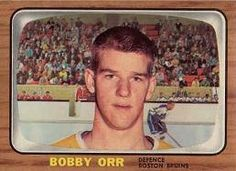 Bobby Orr rookie card. 1966-67 TOPPS #35.