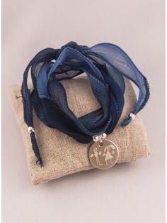 Bracelet en soie 3 tours avec médaille argent gravée personnalisable