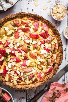 Tarta z rabarbarem i budyniem migdałowym I Foods, Vegetable Pizza, Recipies, Food And Drink, Keto, Yummy Food, Sweets, Healthy Recipes, Cooking