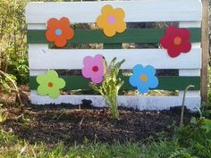Garden inspiration with pallets #DIY, #Garden, #RecycledPallet