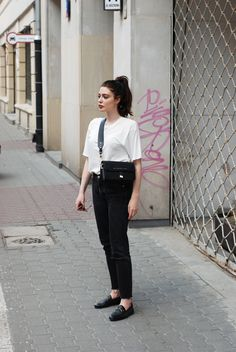 The most basic and easy combo: white top + white trousers. But how not to look like dressed in a work uniform? Here are some good examples of more relaxed and interesting versions. Photos via: 1 | horkruks, viennawedekind, modernlegacy, teetharejade + trini-g SHARE: