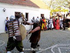 """Astăzi este a treia zi din festivalul medieval """"Turnirul Cetăților 2012"""" - ediția a șasea organizat în cetatea de pe Dealul Străjii din Brașov."""