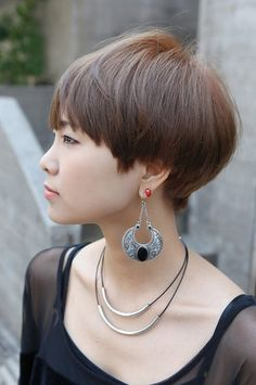 Cute short haircuts with side bangs