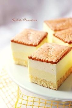 Ciasto Cytrynowiec Polish Desserts, Polish Recipes, Mini Desserts, Christmas Desserts, No Bake Desserts, Delicious Desserts, Yummy Food, Baking Recipes, Cake Recipes