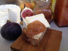 6 füge és 10 körte fürdött meg a tokajiban - videó Camembert Cheese, French Toast, Fruit, Breakfast, Products, Morning Coffee, Gadget