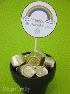 Mega•Crafty: St. Patrick's Day Free Printable and Candy Pot of Gold