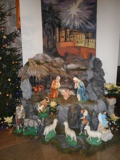 Church Christmas Decorations, Beautiful Christmas Decorations, Christmas Nativity Scene, Altar Decorations, Christmas Scenes, Christmas Villages, Modern Christmas, Christmas Crafts For Kids, Christmas Diy