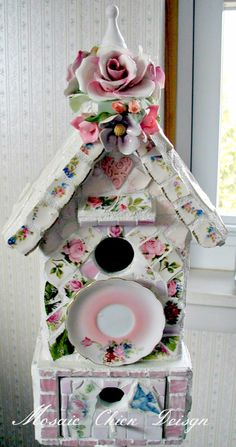 Mosaic Birdhouse by Mosaic Chick Design https://www.facebook.com/pages/Mosaic-Chick-Design/216734331705852?ref=hl