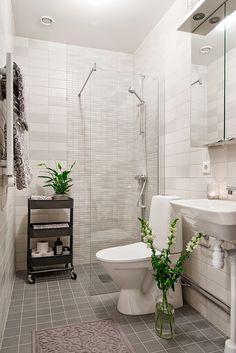 IKEA Raskog trolley for bathroom spares Ikea Toilet, Bathroom Hacks, Trendy Bathroom, Small Bathroom, Ikea Raskog, Ikea Decor, Ikea Bathroom, Bathroom Design, Bathroom Decor