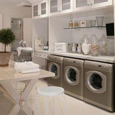 Google Bilder-resultat for http://blog.arcadianhomedecor.com/wp-content/uploads/2011/09/4-Laundry-Room-Design.jpg