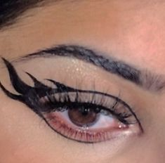 Punk Makeup, Grunge Makeup, Gothic Makeup, Makeup Eye Looks, Eye Makeup Art, No Eyeliner Makeup, Eyeliner Ideas, Eyeliner Designs, Eye Makeup Designs