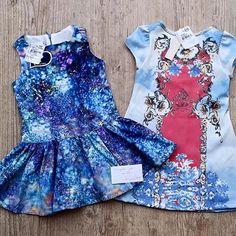 #liquida1mais1   Vestido pinturas - de R$ 178,00 por R$ 99,90  Vestido detalhe na gola de strass de R$ 179,00 por R$ 129,90   Venha conferir em nossa loja virtual!