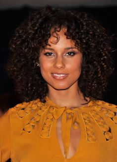 Alicia Keys Hair- ah! if only I had natural curls like this! This would be the style for me!
