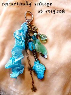 Perlen Schlüsselanhänger Boho Tasche Charms von RomanticallyVintage
