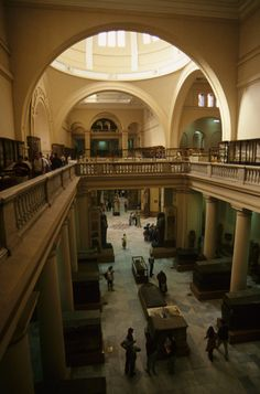 Interior view of the Museum of Egyptian Antiquities (Egyptian Museum of Cairo) Cairo Museum, Egypt Museum, Ancient Egyptian Art, Ancient History, Egypt Travel, Photos Voyages, Cairo Egypt, British Museum, Vintage Pictures