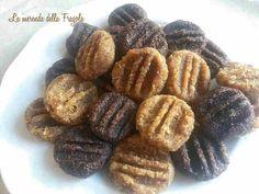 I frollini crudisti sono ottimi per la colazione e la merenda di tutta la famiglia. Si tratta di biscotti vegan leggeri: ecco 2 ricette per farli in casa!