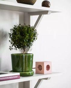 SQ1-F-USB-P-Avolt-Square-1-Old-Pink_m2 Planter Pots, Usb, Pink, Design, Pink Hair, Roses