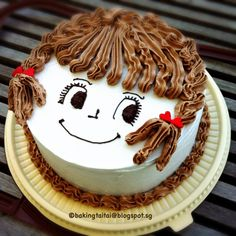 Top 23 Birthday Cake Face - Best Round Up Recipe Collections Doll Cake Designs, Cake Designs For Kids, Simple Cake Designs, Cake Decorating Videos, Cake Decorating Techniques, Baby Birthday Cakes, Birthday Flags, Cake Pops, Chocolate Cake Designs