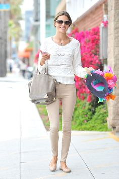 Alessandra Ambrosio: love this white and nude outfit