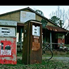 Old Mississippi gas station