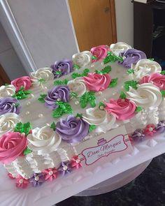 Most Popular Birthday Cakes Cupcake Decorating Tips, Birthday Cake Decorating, Cake Decorating Techniques, Cake Icing, Buttercream Cake, Cupcake Cakes, Cupcakes, Pastel Rectangular, Easy Cakes For Kids