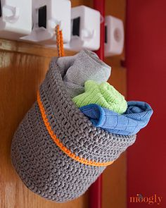 15 Free Crochet Patterns for Crochet Hanging Basket These lovely Free Crochet Patterns for a Crochet Hanging Basket will help you chose and make some for your kids room or shower. A lovely way to be organised, colourful Hanging Baskets. Make one awesome Hanging Basket for yourself too