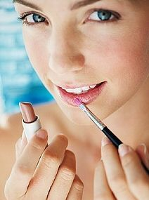 How To Choose Lipstick Color For a Perfect Pout - http://womenclan.com/how-to-choose-lipstick-color-for-a-perfect-pout-754