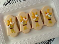 I just love how these wheat bouquets turned out! #decoratedsugarcookies #kingwoodtx #portertx #newcaneytx