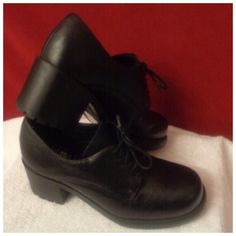 """EC Black Leather Chunk Heel Lace Up 8.5M Made by: Euro Club (EC) Size 8.5M Black Leather Upper Soft Rubber Chunk Style Heel Measuring 2.5"""" These are named Santa Fe. Outside Soles show very little wear. Stickers are still on the bottom. Very nice shoe. Thank you for browsing my closet. Euro Club Shoes"""