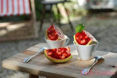 Fatias frescas de gelatina de morango