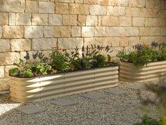 jardineras de metal color beige