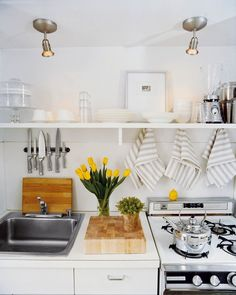 How cute is this kitchen?